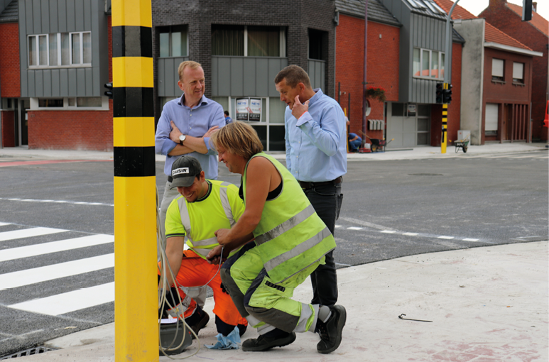 Vernieuwd kruispunt Achterbroek opnieuw open voor verkeer