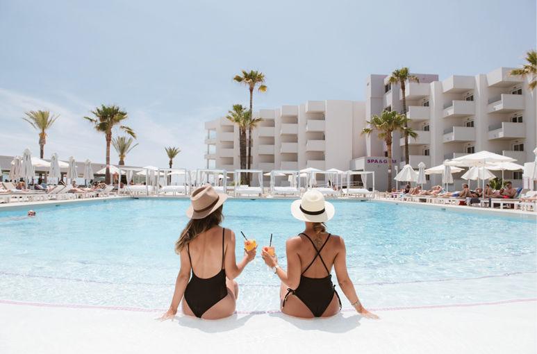 Ervaar het echte Ibiza  bij Hotel Garbi