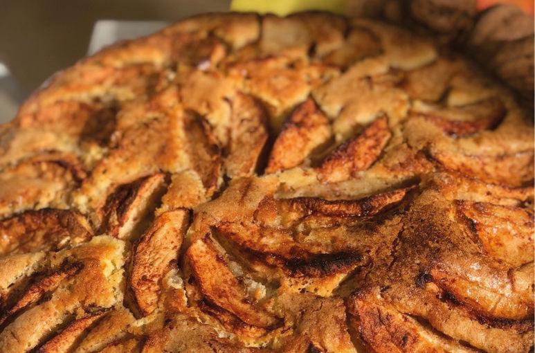 Appelcake met walnoten en gember